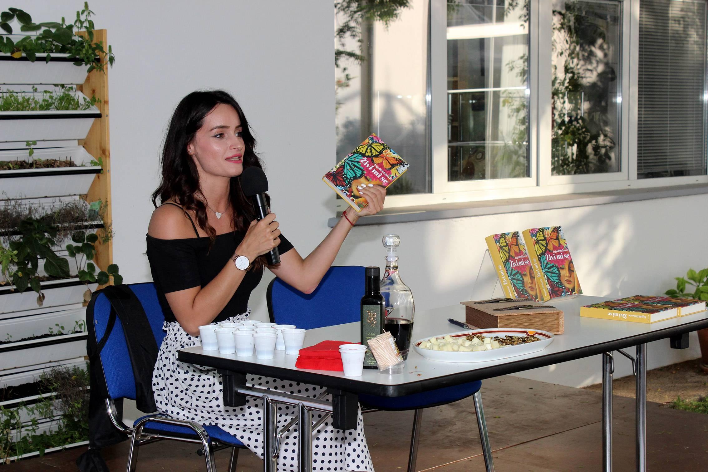 Dalibor Petrinić: Prehrana za koju smo stvoreni i Ingrid Divković: Živi mi se